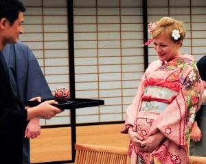 კიოტოში პრეზიდენტის და პირველი ლედის პატივსაცემად ჩაის მომზადების ცერემონია გაიმართა – ფოტოკოლაჟი