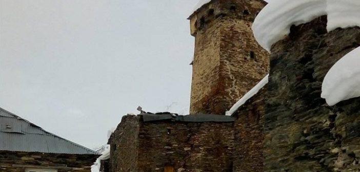 თოვლის მომწყდარმა მასამ უშგულის თემის სოფელ ჩაჟაშის მაჩუბი დააზიანა
