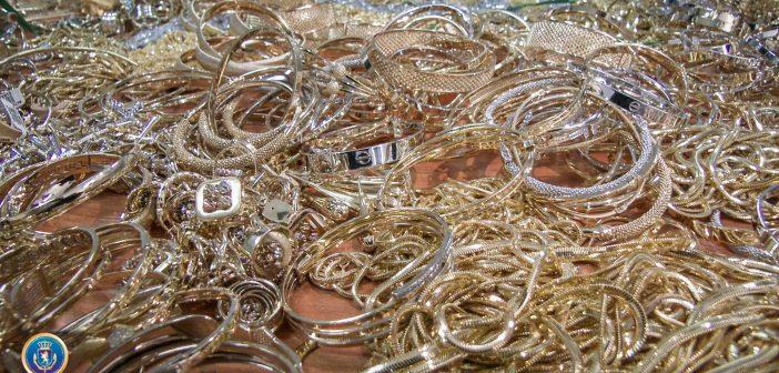 საქართველოში 670 000 ათასი ლარის ღირებულების, 11 კილოგრამი ოქროს უკანონოდ შემოტანა სცადეს (ვიდეო)