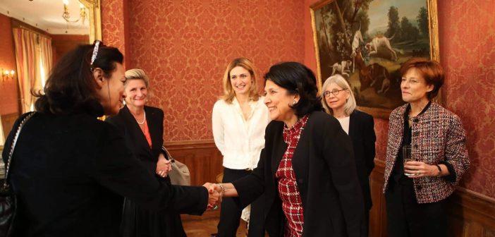 სალომე ზურაბიშვილი პარიზში ლიდერ ქალებს შეხვდა